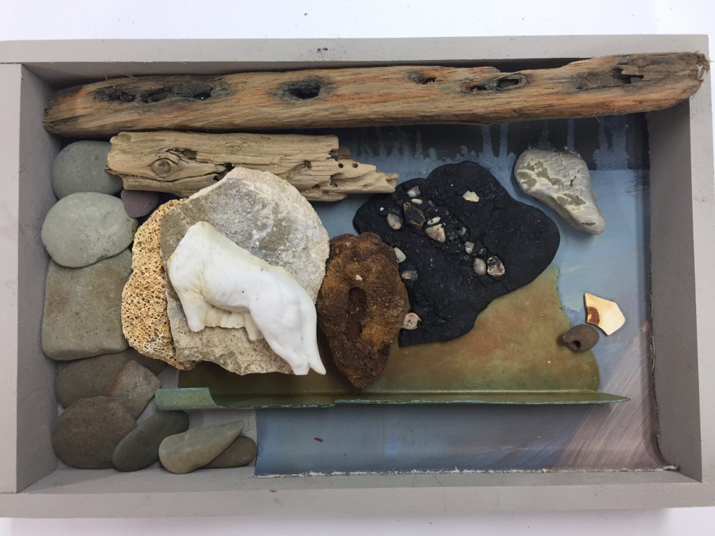 "ROCK BOX Lost Objects 12 x 8"" IMG_E8085"